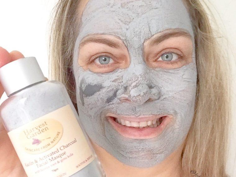Harvest Garden Kaolin & Activated Charcoal Facial Masque Selfie