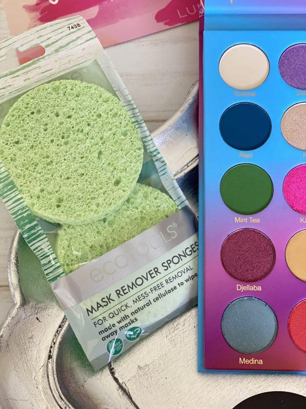 Lumi Box Premium Box - Mask Remover Sponges